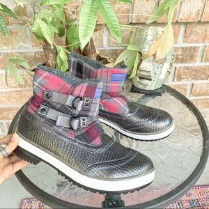 UGG Waterproof Winter Snow Boots Plaid Grey Ankle Insulated Fleece Liner 9